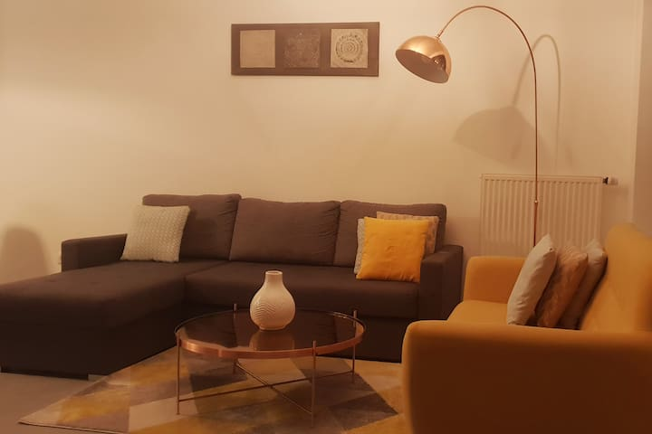 Lovely Flat(60m2) City Center 2min from train &bus