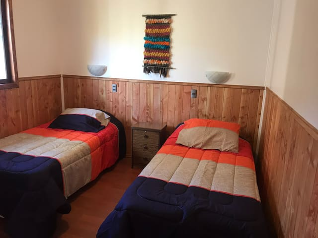 Habitación doble con baño privado y closet