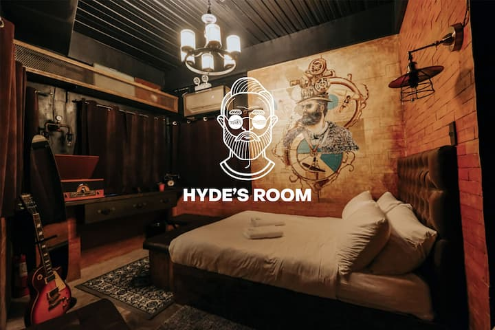 Hyde's Room at Funky Quarters