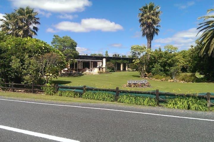 """Bonnie & Mike's place """"Tirohanga"""" - Kaiaua - Pousada"""