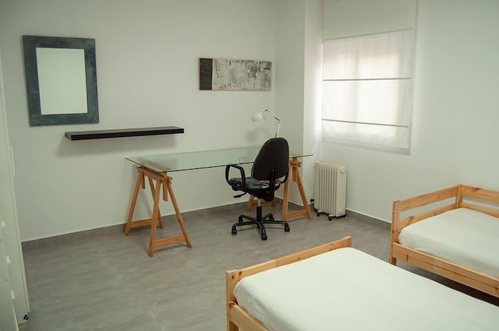 Estudio - Residencia Nº5 para 1 o 2 personas