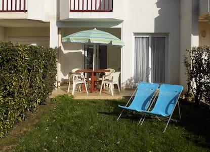 Top 20 ferienwohnungen in carnac ferienh user - Petit appartement studio allen killcoyne ...