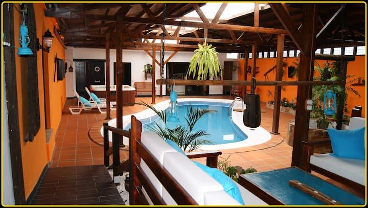 Fuerteventura-Villa Spa LasTinajas-jacuzzi,piscina
