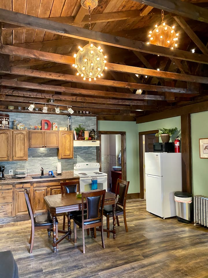 Apt. D:  Spacious with Mountainside Deck & BBQ