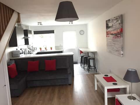Fresh, Modern & Quiet House near Bath & Wells