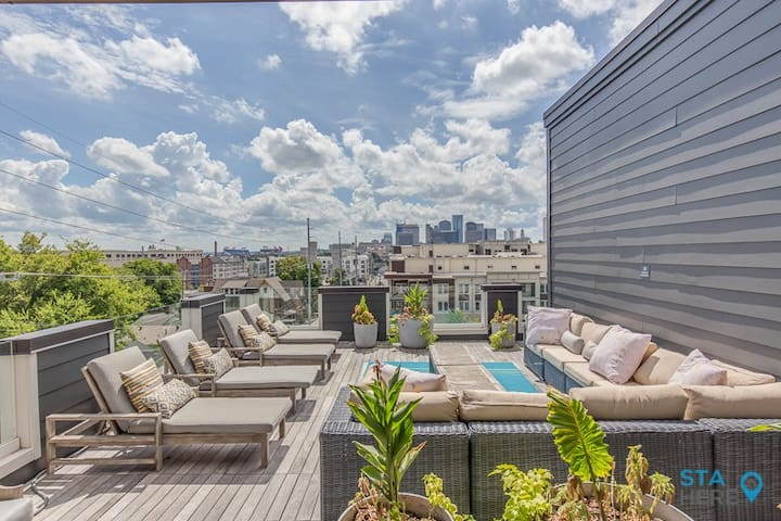 Modern Private 2 Bedroom Penthouse by STA Here!
