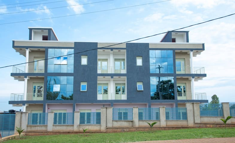 Umwezi Moonlight Apartment 2BedR/ground floor