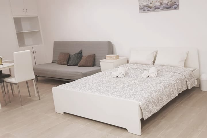 Charming,comfy, studio in the heart of Athens
