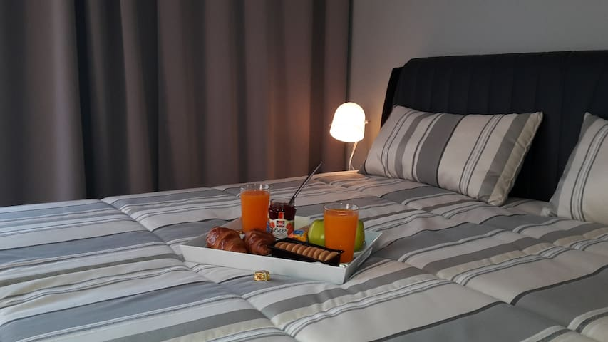 Apartment Kolovraty new & luxury equiped & parking - Prag - Wohnung