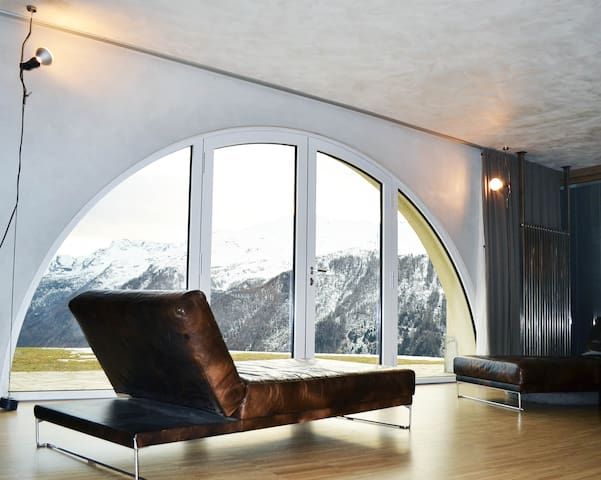 Panoramic design loft