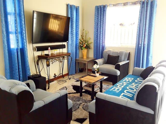 Blue Room - Brand New Home Built 2017