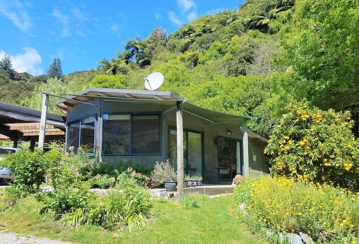 The PJ's Cottage