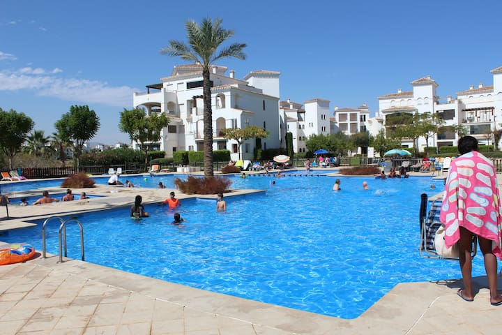 Fabulous 2 bed apartment with pool view - Torre-Pacheco - Leilighet