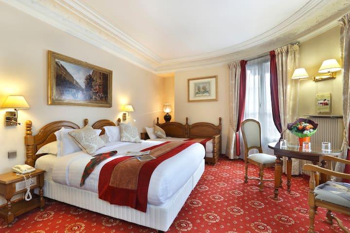 Chambre spacieuse proche du Marais - París - Bed & Breakfast