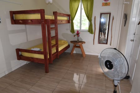 Soufriere Guesthouse - Dorm Bed