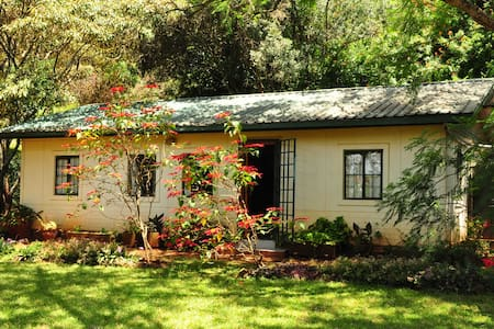 Small self-contained guest house - Nairobi