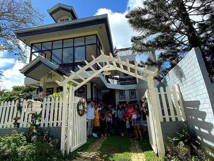 Tagaytay City, Adriana's Place, Cuarto de Teodoro