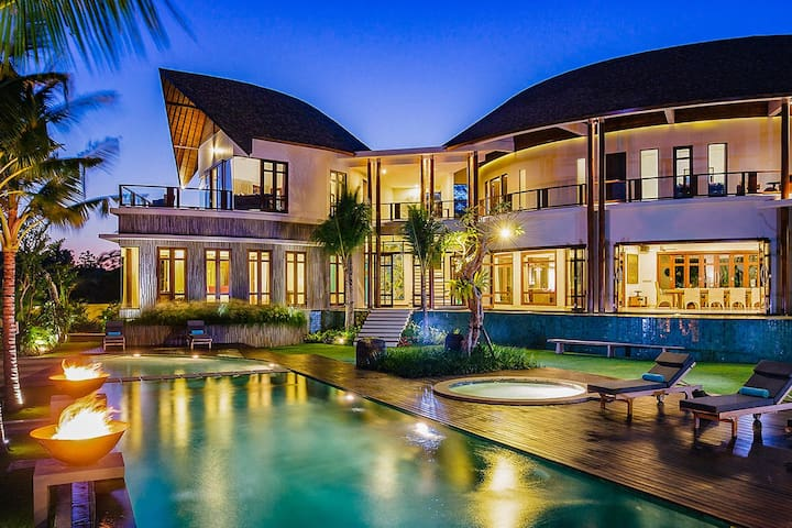 Villa Umah Daun
