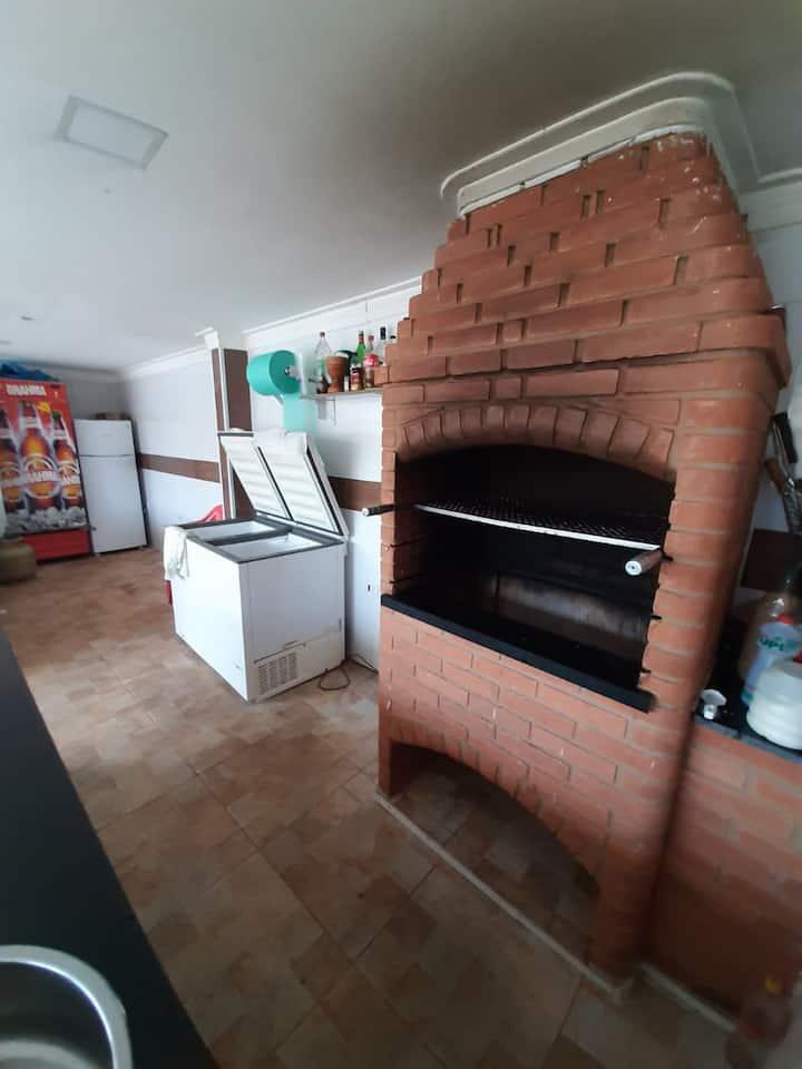 Casa com piscina em Artur Nogueira interior de SP