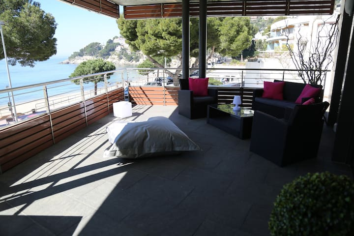 Appartement design en front de mer avec piscine - Roses - Apartment