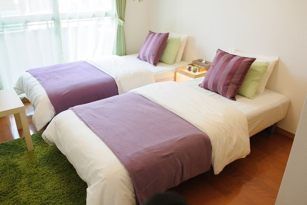 Room A,2F Two shingle bed and one FUTON(Japanese style mattress) can stay for max 3 person.
