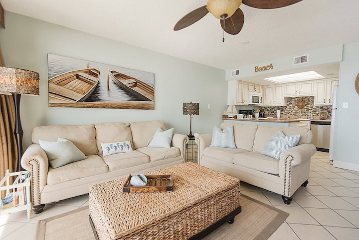 Beach Front, Old River access, 1 mile to FloraBama