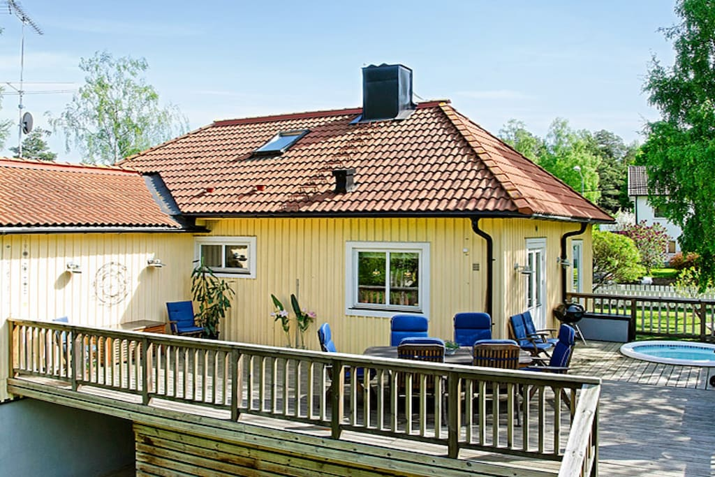 Family friendly villa 10 min from stockholm case in for 4000 piedi quadrati