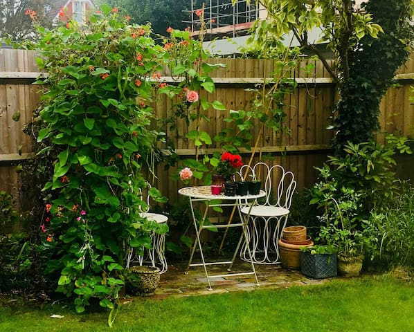 Boutique Bristol - Peaceful Garden - Free parking.