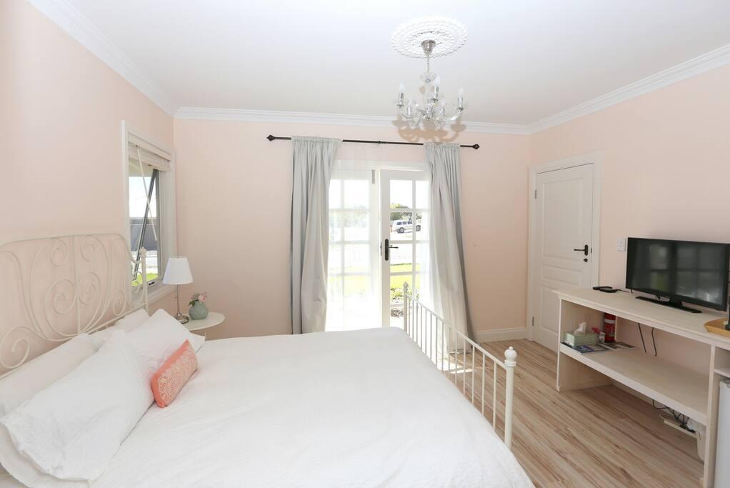 Comfy Queensize Bed