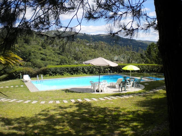 Country Home with Pool and Vineyard - Soalhães - Hotel ekologiczny