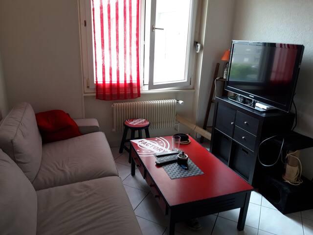 Petit appartement en plein centre.