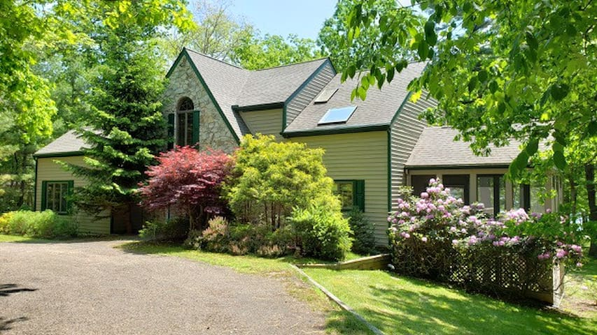 NEW! DOGS WELCOME! Lakefront Home w/Dock Slip, Hot Tub, & Community Amenities!