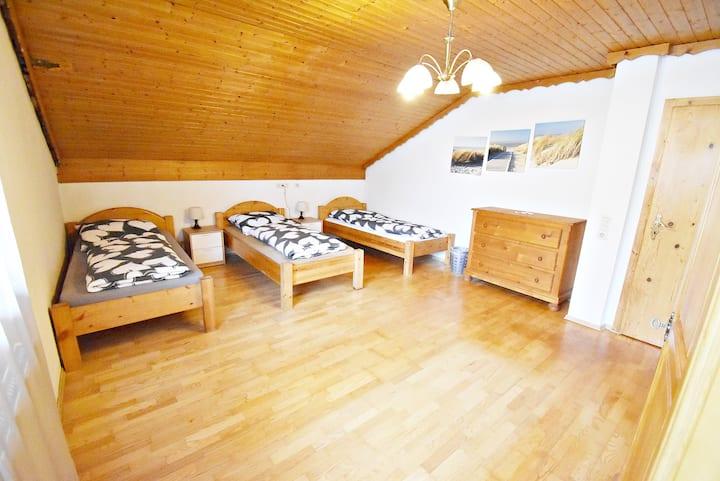 5Pers.,  3- & 2-Bett Zimmer im Seehaus Mamming 3&4