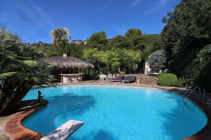Villa Saint-Côme, du grand luxe à 1 min de la mer