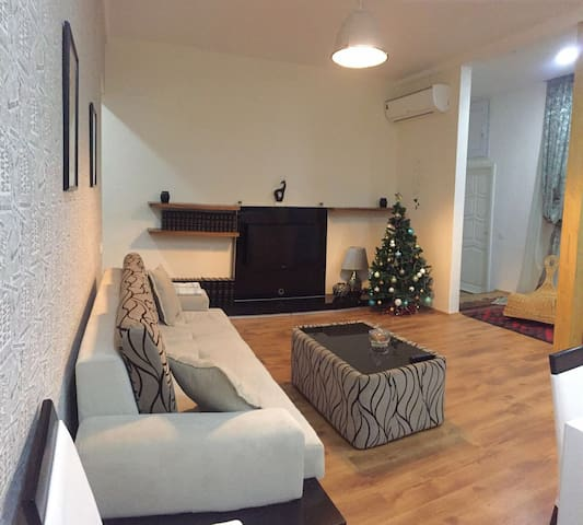 Large cosy 1 bd. apartment in Old Town. - Bakü - Daire