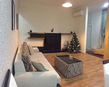 Large cosy 1 bd. apartment in Old Town. - Baku