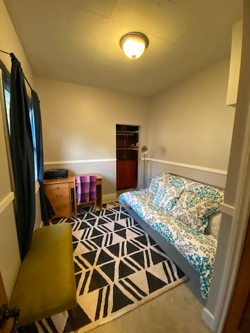 Cute Room in Black Diamond