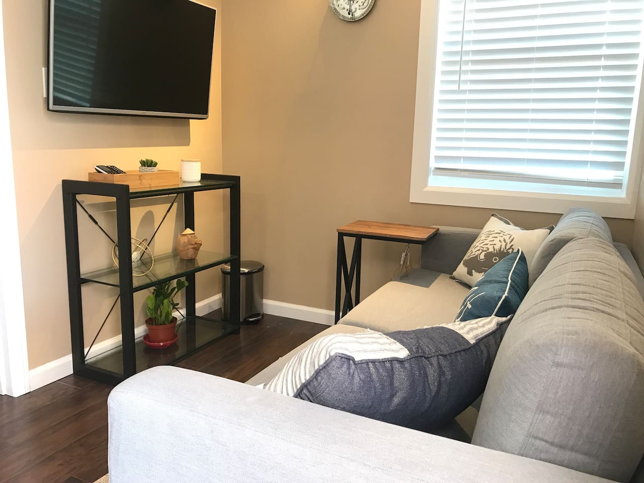Clean and Cozy Guesthouse - Guest suites for Rent in Garden Grove ...