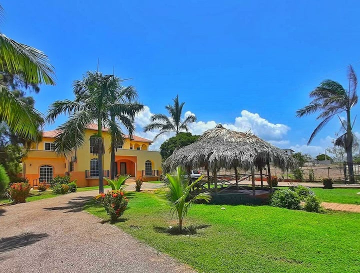 Seaside Villa - Entire House 7 bdrm 7 bath  & pool