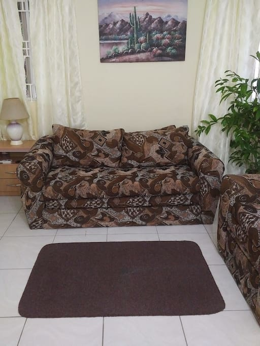Beverly hills private apartment apartments for rent in for Sofa bed jamaica