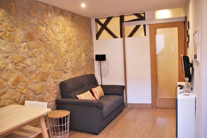 *CLEAN AND SAFE* New! Flat in the Castle