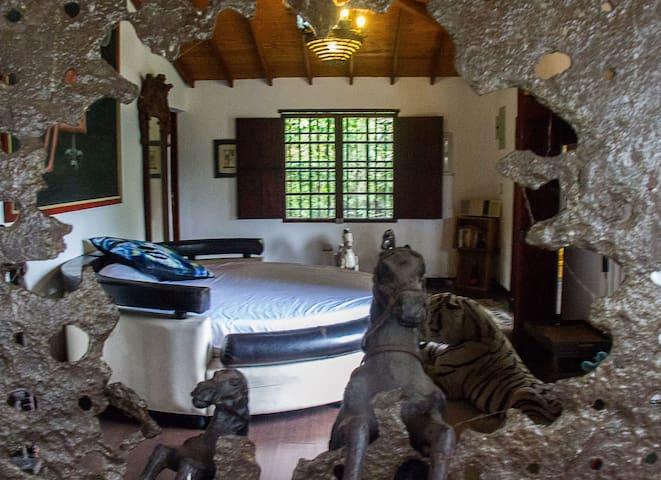 A Room you Dream Of w/ River Stone Bath & Balcony - Medellin