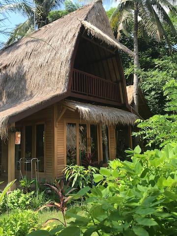 Meno Madia Ganesha House
