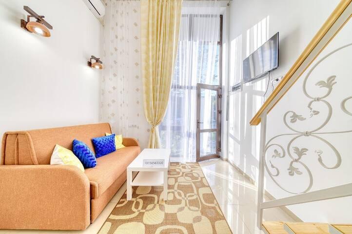 Квартира(желтая), в которой приятно  отдыхать