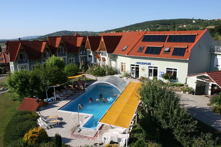 apt for 2 pers with pool in Cserszegtomaj R64288