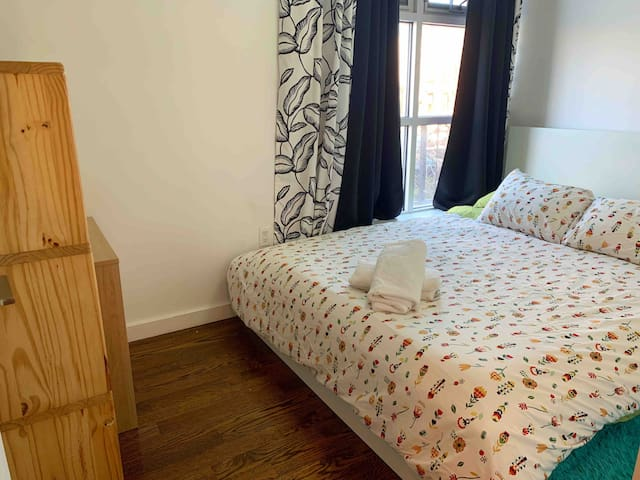COZY Private Rm in Greenpoint/Williamsburg