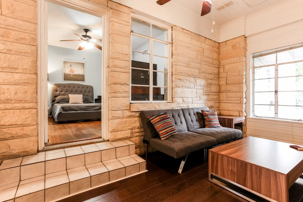 Cute 1 Bedroom In Hyde Park Apartments For Rent In