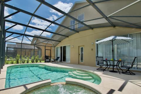 Gorgeous 5 Bdr~ Private Pool at Davenport