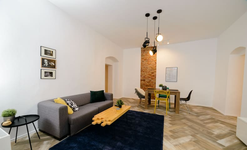 Moravetz Apartment - Ultracentral and BrandNew