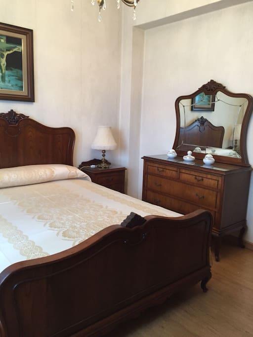 Hab. 1 c/ cama matrimonio
